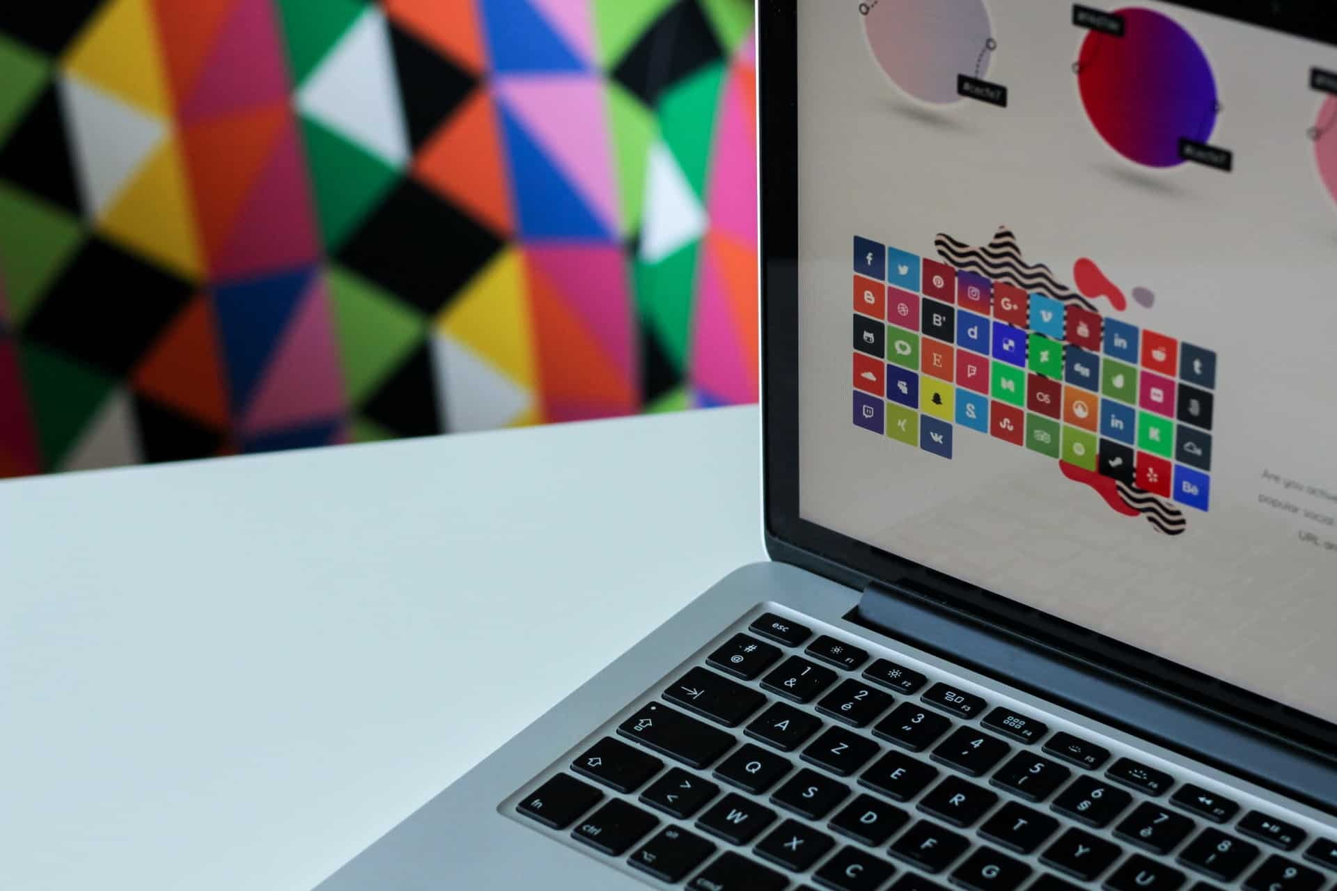 Good Looking Websites Have Good Visual and UX Design